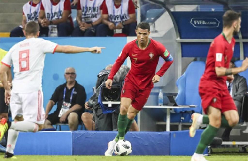 e1a7fd4d94 Cristiano Ronaldo brilha em empate eletrizante entre Portugal e ...